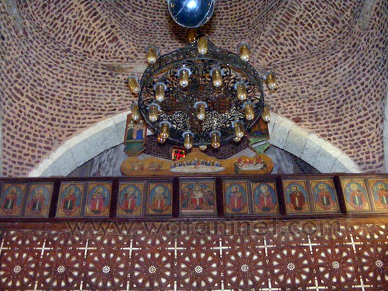 كنيسة السيدة العذراء المغيثة بحارة الروم (14)