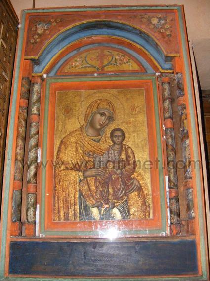 كنيسة السيدة العذراء المغيثة بحارة الروم (24)