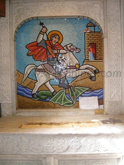 كنيسة السيدة العذراء المغيثة بحارة الروم (35)