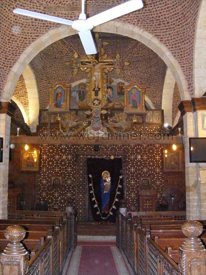 كنيسة السيدة العذراء المغيثة بحارة الروم (37)