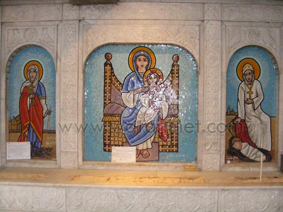 كنيسة السيدة العذراء المغيثة بحارة الروم (40)