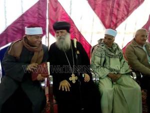 وفود رسمية وشعبية تهنئ الأنبا بيمن بالعيد في قوص10