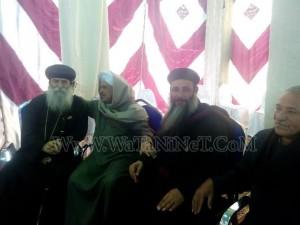 وفود رسمية وشعبية تهنئ الأنبا بيمن بالعيد في قوص3