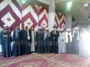 وفود رسمية وشعبية تهنئ الأنبا بيمن بالعيد في قوص6