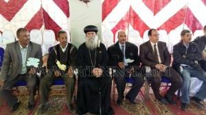 وفود رسمية وشعبية تهنئ الأنبا بيمن بالعيد في قوص8