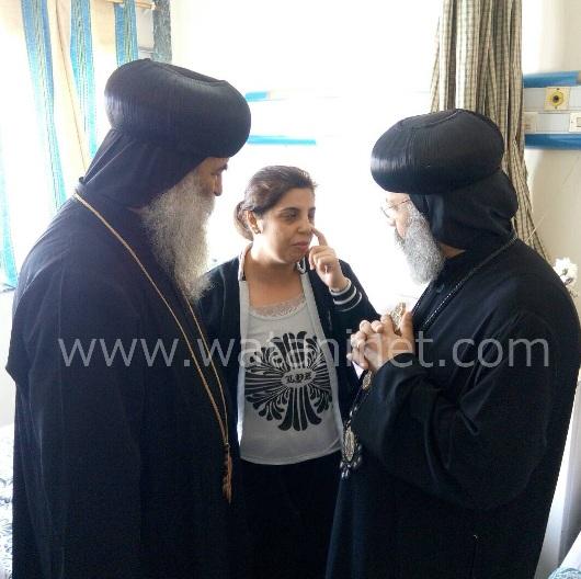 الأنبا رافائيل والأنبا بيمن يزورا مصابي تفجيرات كنيسة مارجرجس بالمعادي العسكري (12)