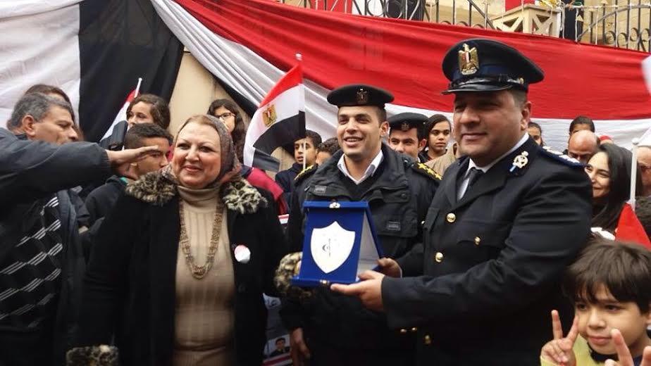 كلية النصر بالمعادي تهنئ الشرطة فى عيدها 2