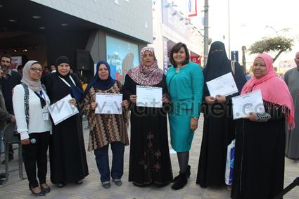 تكريم ناجيات سرطان الثدي في عيد الأم (2)
