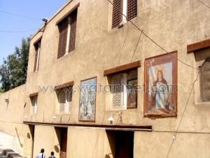 كنيسة القديسة بربارة الاثرية بمصر القديمة30