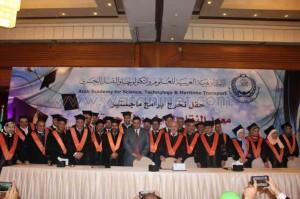 الأكاديمية العربية تحتفل بالحاصلين علي الماجستير3