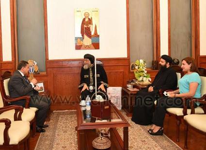 البابا تواضروس يستقبل سفير مصر الجديد بالنمسا (2)