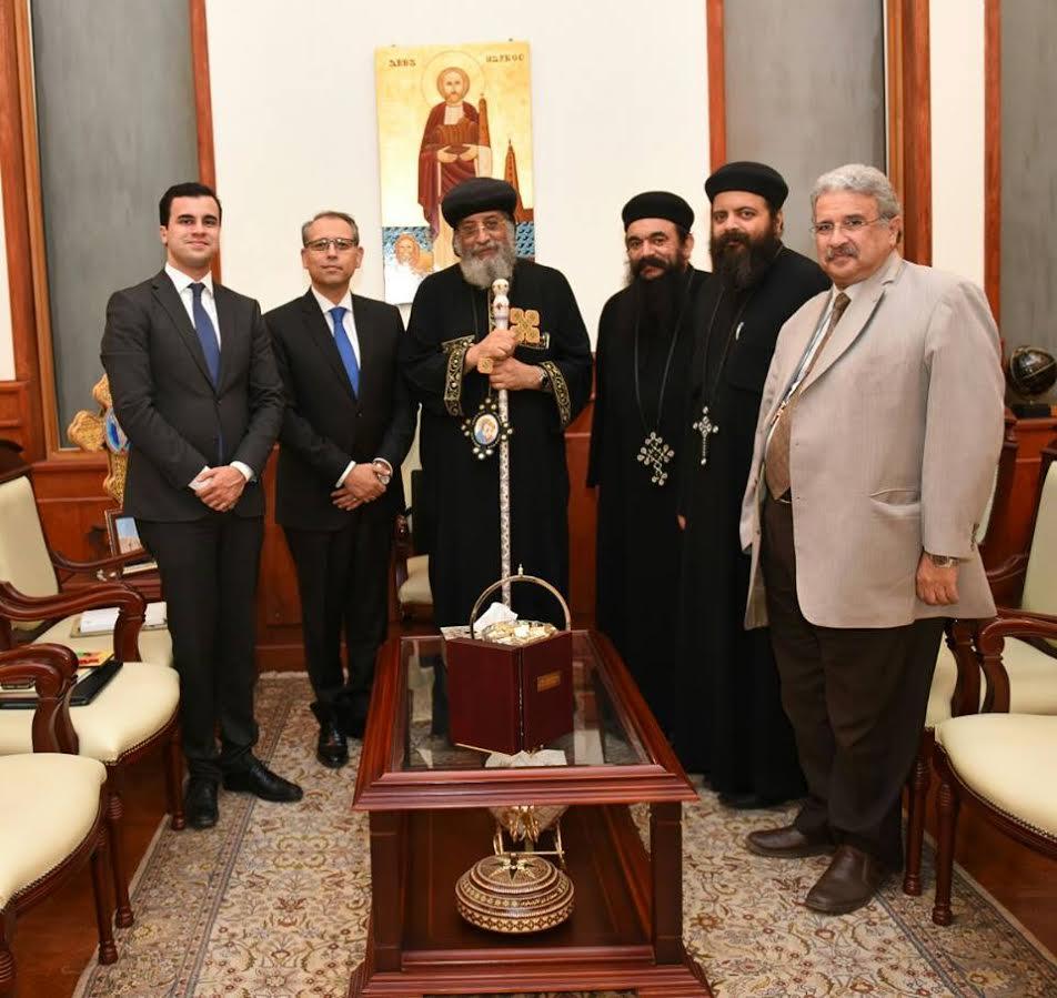 البابا تواضروس يستقبل سفير مصر الجديد بلبنان (1)