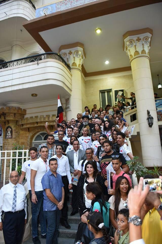 قداسة البابا يلتقي وفد الشباب المصري المقيمين في فرنسا