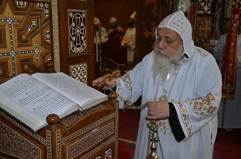 الأنبا ديمتريوس يترأس إجتماع كهنة ملوي (4)