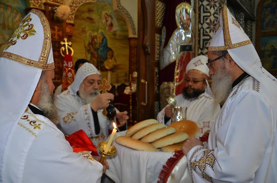 الأنبا ديمتريوس يترأس إجتماع كهنة ملوي (7)