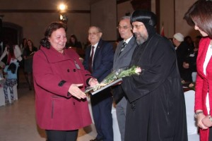 الأنبا ارميا يكرم أمهات الشهداء بالمركز الثقافي2