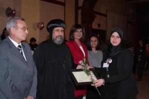 الأنبا ارميا يكرم أمهات الشهداء بالمركز الثقافي7