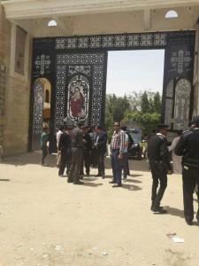 محافظ الأقصر يجري جولة علي الكنائس لمتابعة الإجراءات الأمنية2
