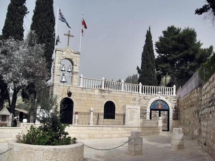 2مع المسيح في طريق الآلام عند قبر العذراء مريم