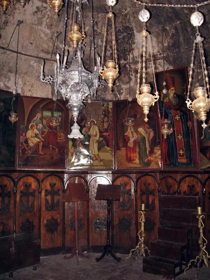 9مع المسيح في طريق الآلام عند قبر العذراء مريم